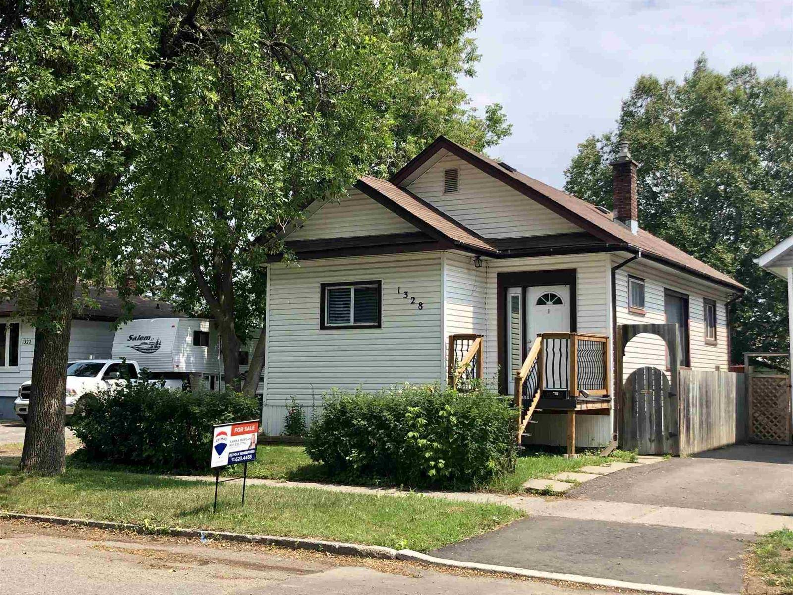 House for sale at 1328 Stanley Ave Thunder Bay Ontario - MLS: TB192447