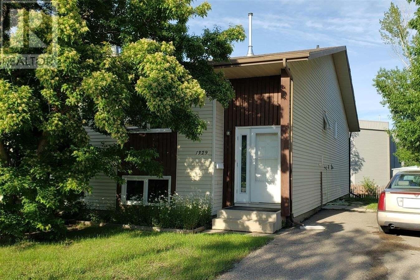 House for sale at 1329 Mckercher Dr Saskatoon Saskatchewan - MLS: SK815538