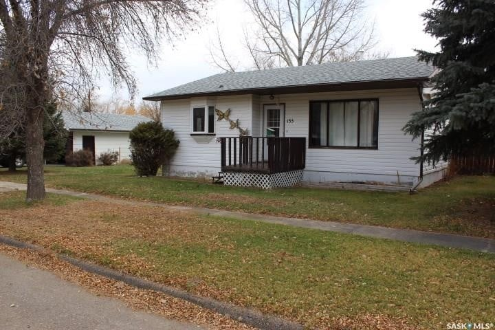 House for sale at 133 Cedar Ave N Eastend Saskatchewan - MLS: SK809808
