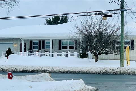 House for sale at 133 Connell St Woodstock New Brunswick - MLS: NB014030