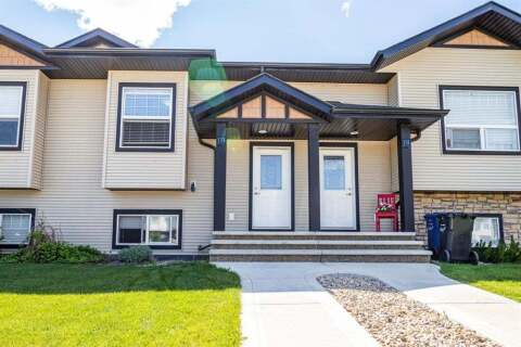 Townhouse for sale at 133 Henderson  Cres Penhold Alberta - MLS: A1011664