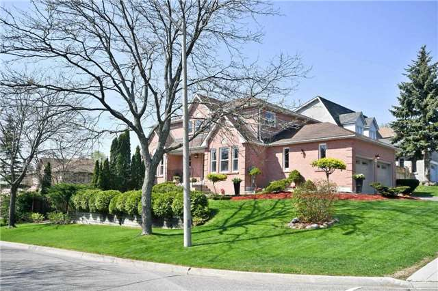 For Sale: 133 Kemano Road, Aurora, ON | 4 Bed, 4 Bath House for $1,278,000. See 20 photos!