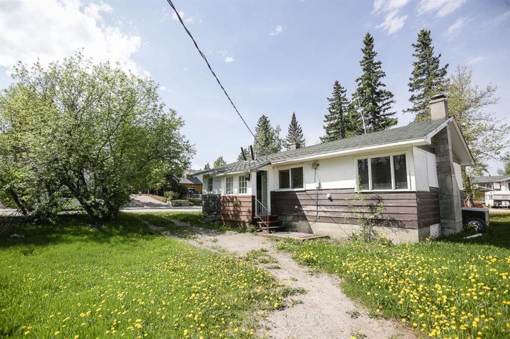 House for sale at 133 Meadow Drive  Hinton Alberta - MLS: AW51721