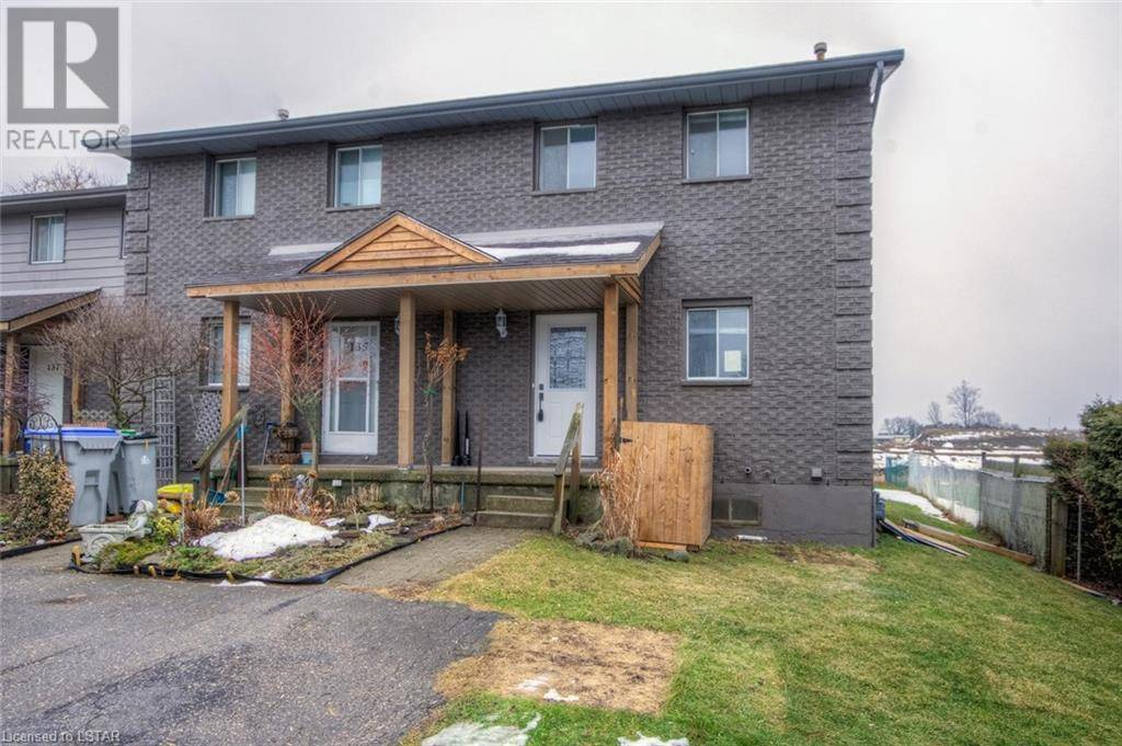 Townhouse for sale at 133 Simcoe St Exeter Ontario - MLS: 239013