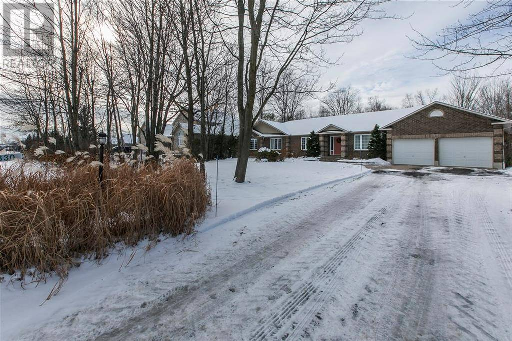 1330 Fox Valley Road, Ottawa   Image 2