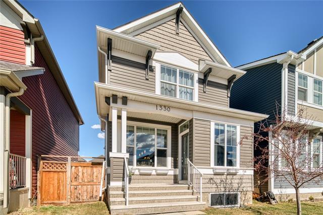 Sold: 1330 New Brighton Park Southeast, Calgary, AB