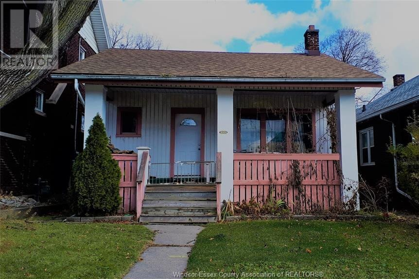 House for sale at 1332 Dougall  Windsor Ontario - MLS: 20015678