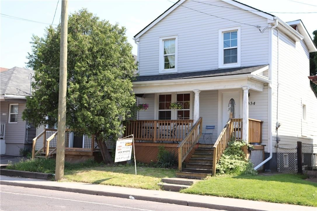 House for sale at 1334 Cannon St E Hamilton Ontario - MLS: H4079300