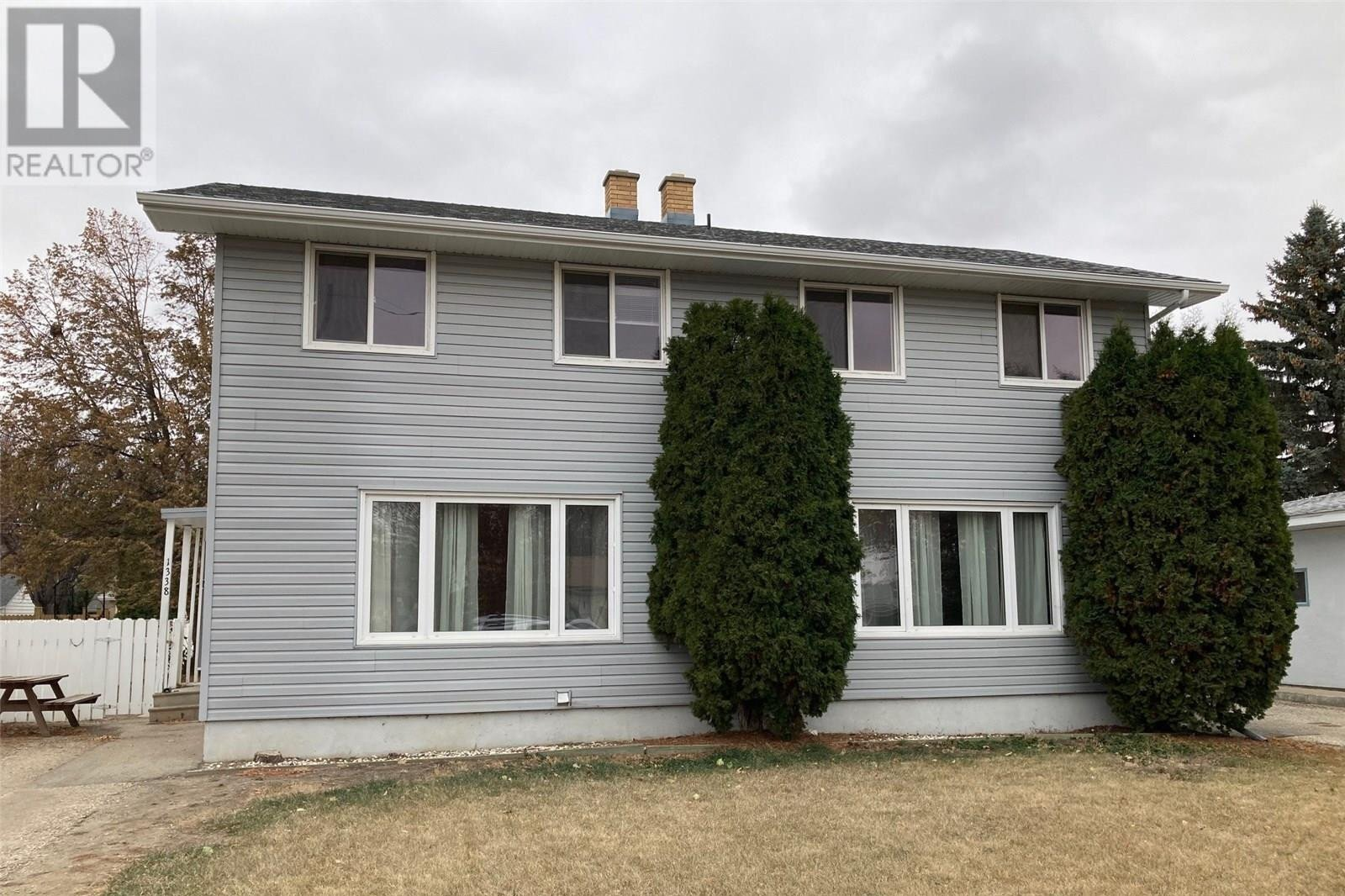 House for sale at 1338 Connaught Ave Moose Jaw Saskatchewan - MLS: SK831538