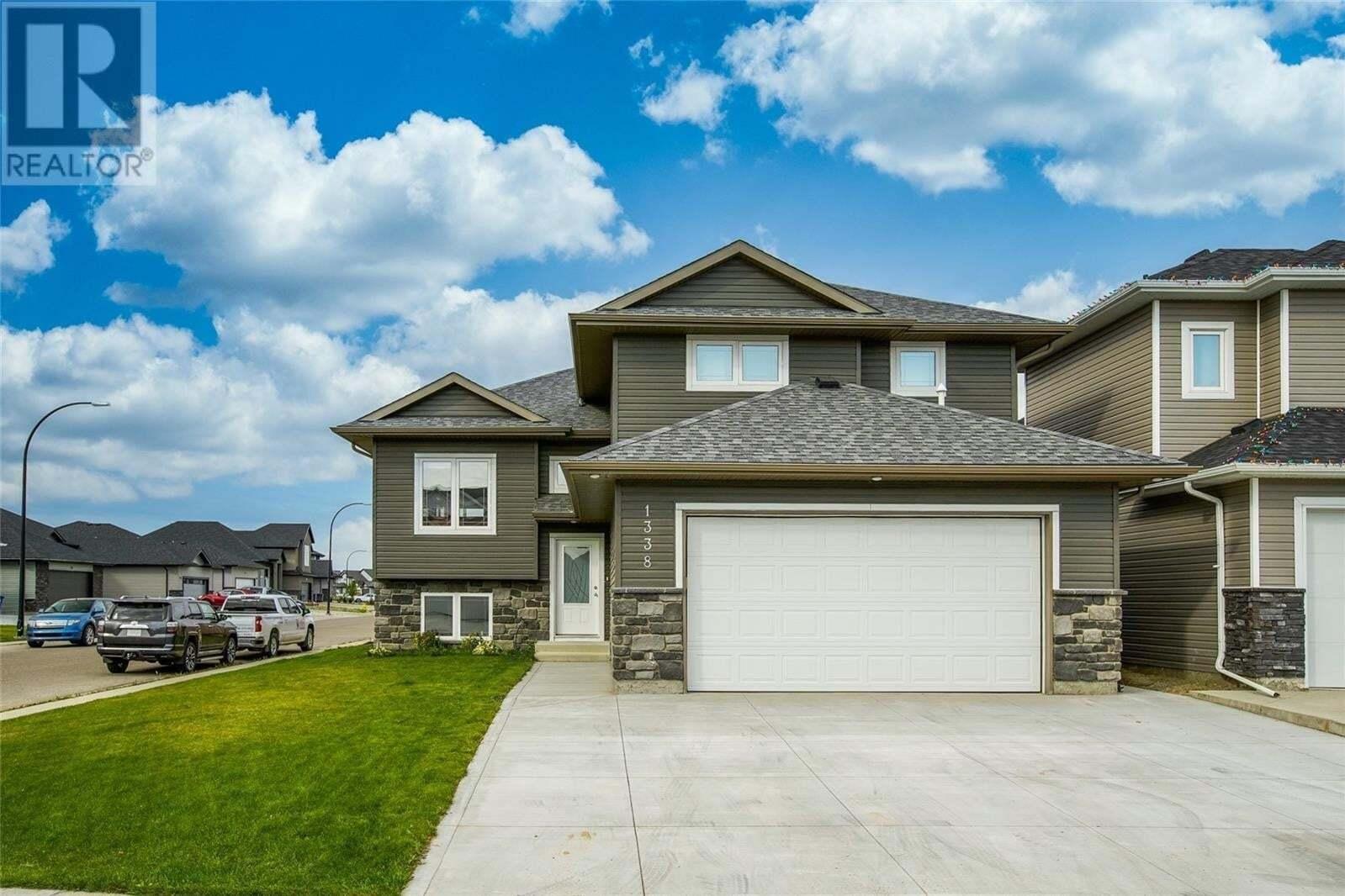 House for sale at 1338 Hargreaves Wy Saskatoon Saskatchewan - MLS: SK827836
