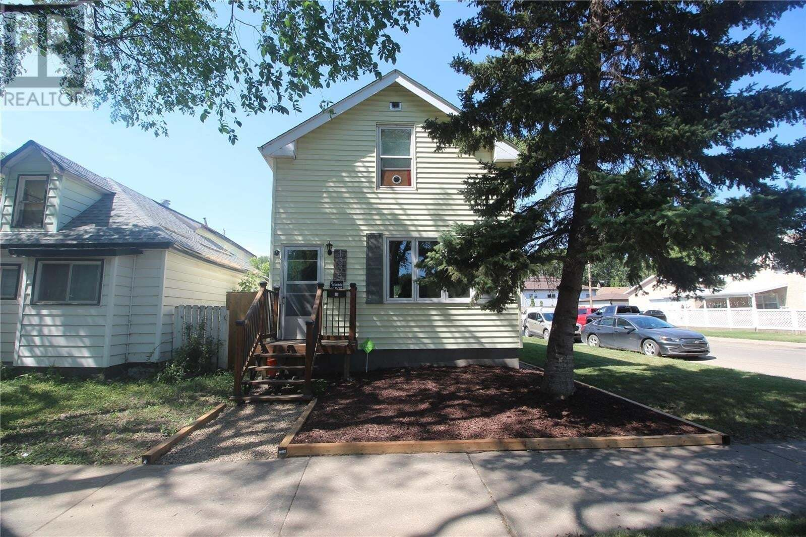House for sale at 1339 B Ave N Saskatoon Saskatchewan - MLS: SK819467
