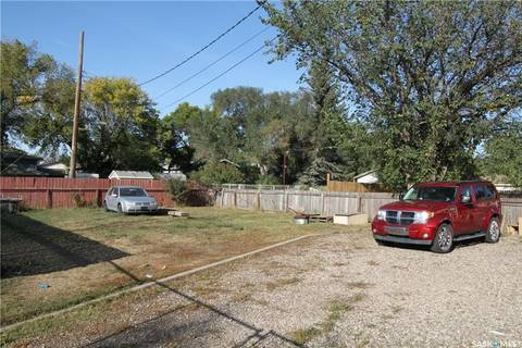 House for sale at 134 109th St W Saskatoon Saskatchewan - MLS: SK806187