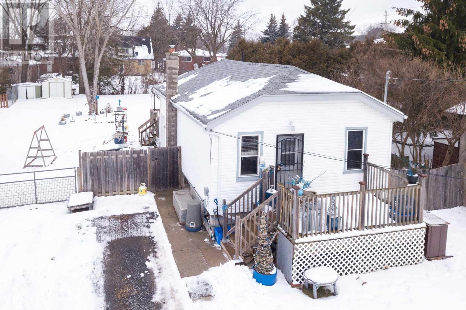 House for sale at 134 Butler St Kingston Ontario - MLS: K21000162
