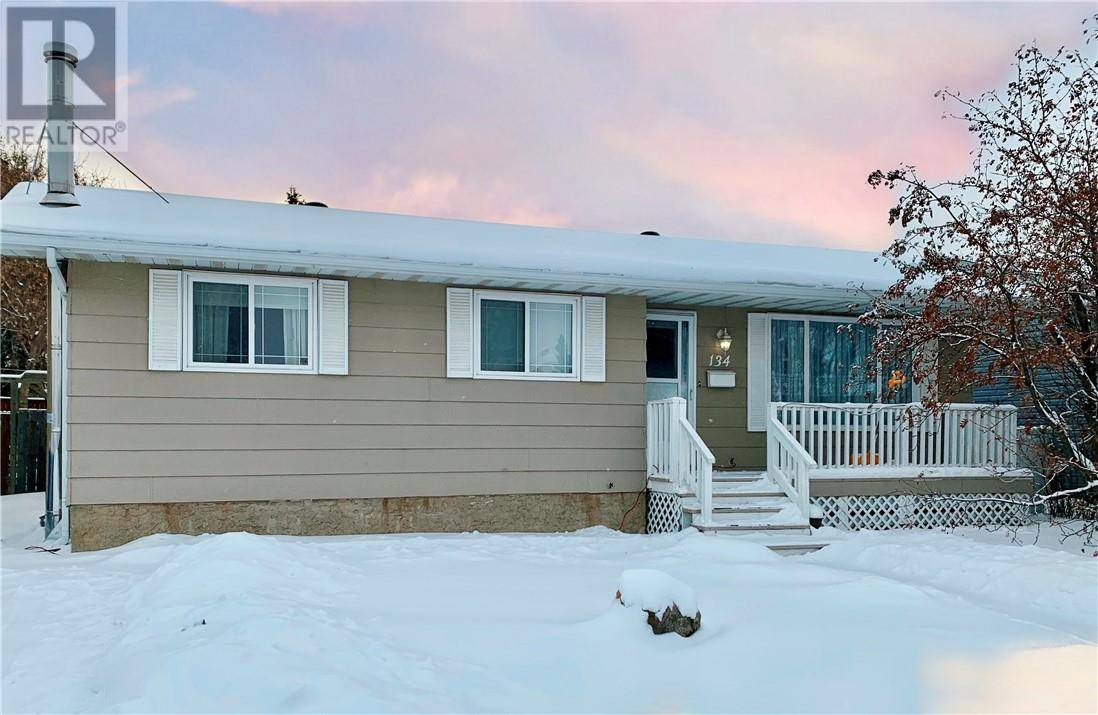 House for sale at 134 Cardinal Dr Fort Mcmurray Alberta - MLS: fm0185730