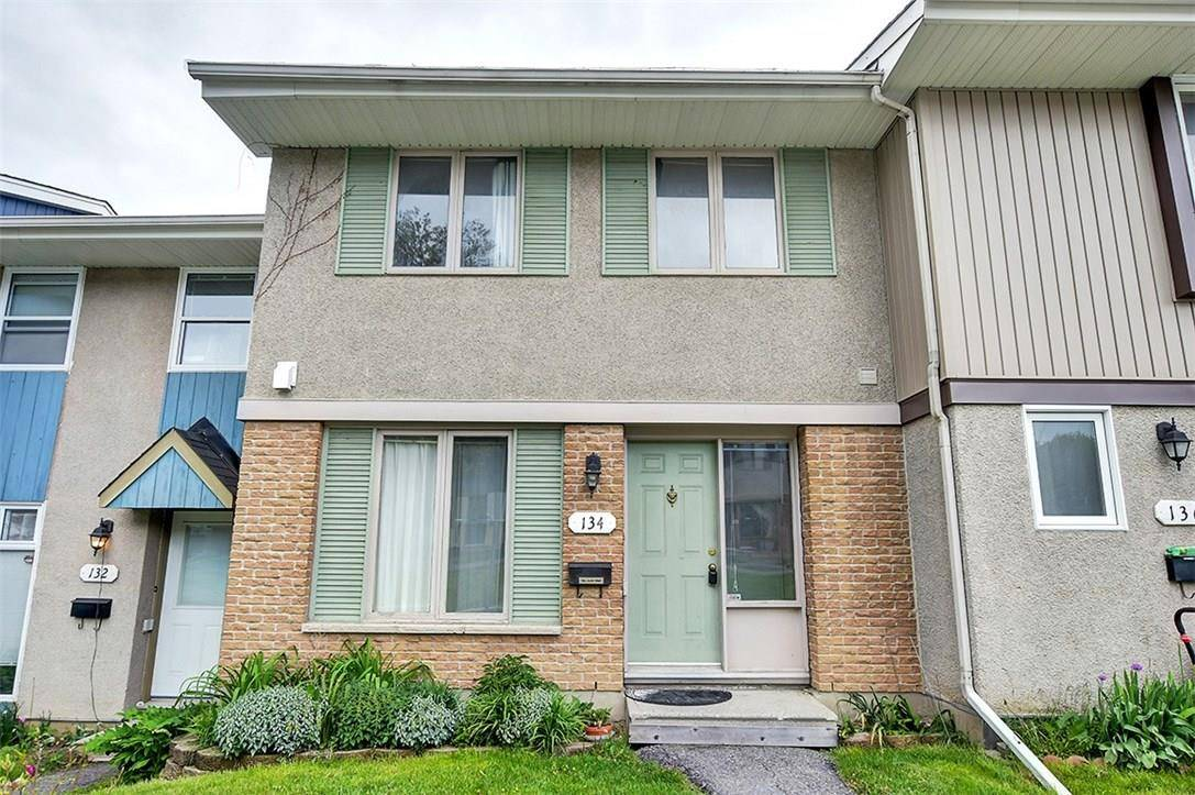 Townhouse for sale at 134 Costello Ave Ottawa Ontario - MLS: 1160688