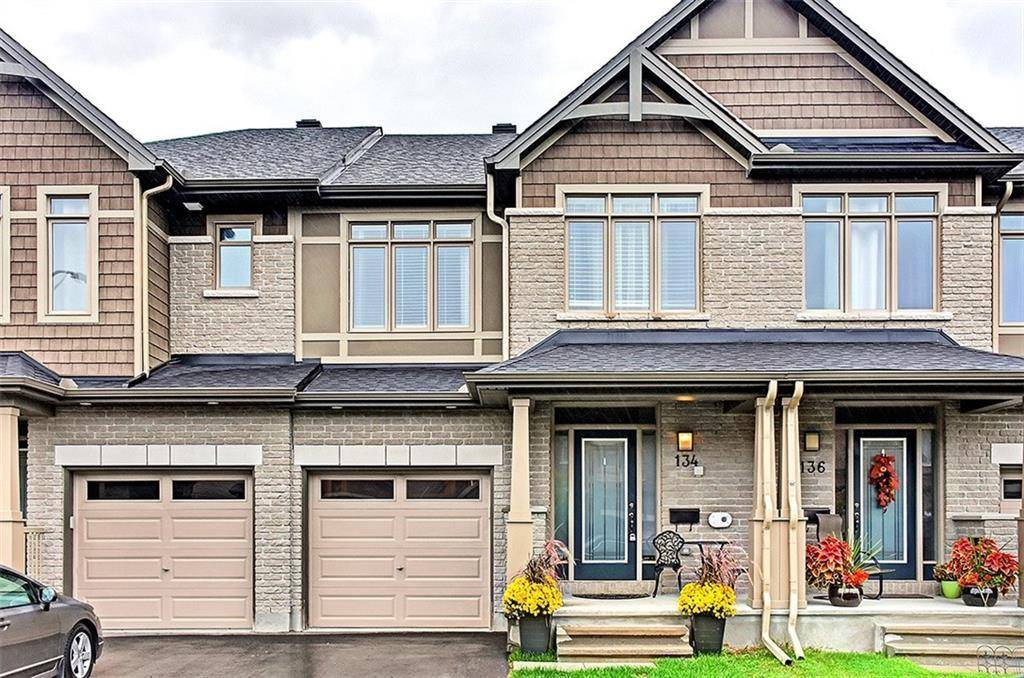 Townhouse for sale at 134 Hawkeswood Dr Ottawa Ontario - MLS: 1170968
