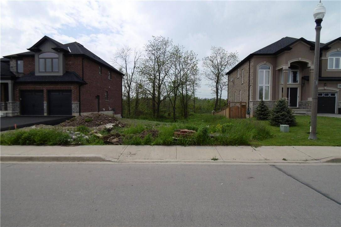 Home for sale at 134 Kingsview Dr Stoney Creek Ontario - MLS: H4054916