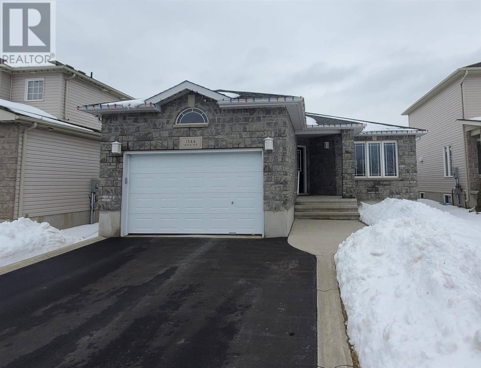 House for sale at 1344 Grace Ave Kingston Ontario - MLS: K20000754