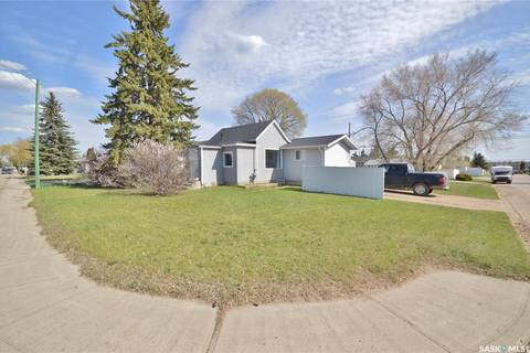 House for sale at 1345 Hochelaga St W Moose Jaw Saskatchewan - MLS: SK771953