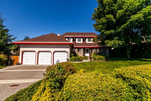 For Sale: 1346 Honeysuckle Lane, Coquitlam, BC | 4 Bed, 4 Bath House for $1,599,000. See 20 photos!