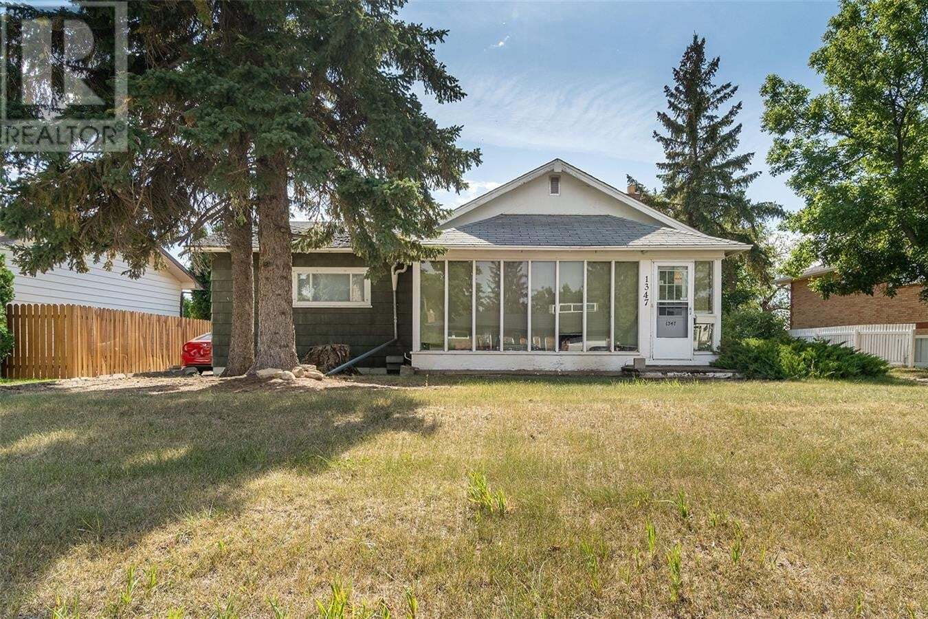 House for sale at 1347 Montgomery St Moose Jaw Saskatchewan - MLS: SK826740