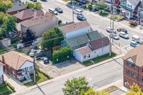 Commercial property for sale at 1347 Woodbine Ave Toronto Ontario - MLS: E4981019