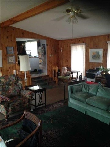 For Sale: 1349 Highway 118 E , Bracebridge, ON | 3 Bed, 2 Bath House for $499,000. See 20 photos!