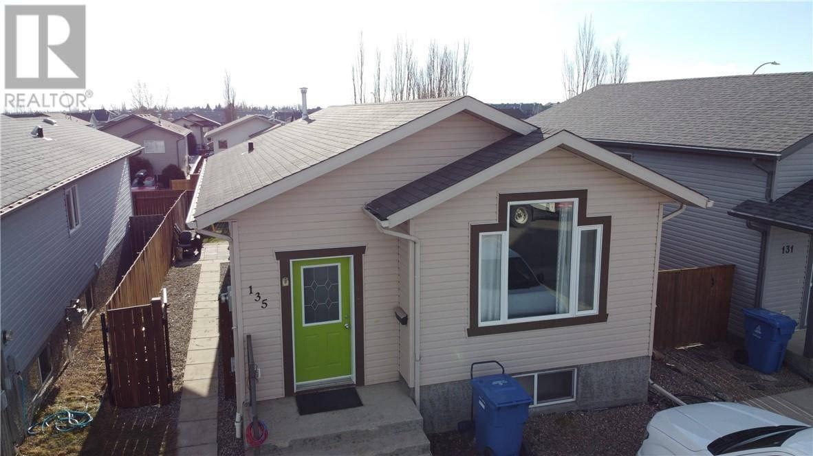 House for sale at 135 Blackfoot Ct W Lethbridge Alberta - MLS: ld0189816