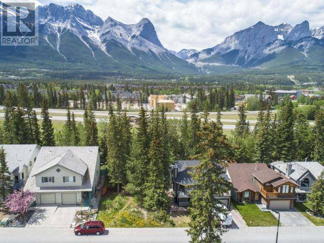 Home for sale at 135 Cougar Point Rd Canmore Alberta - MLS: 51420