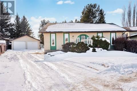 House for sale at 135 Gustin Cres Saskatoon Saskatchewan - MLS: SK803659