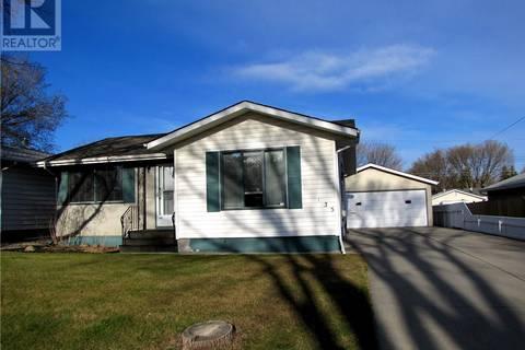 House for sale at 135 Montreal Ave S Saskatoon Saskatchewan - MLS: SK766694