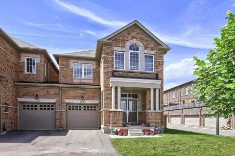 Townhouse for sale at 135 Orchardcroft Rd Oakville Ontario - MLS: W4815354
