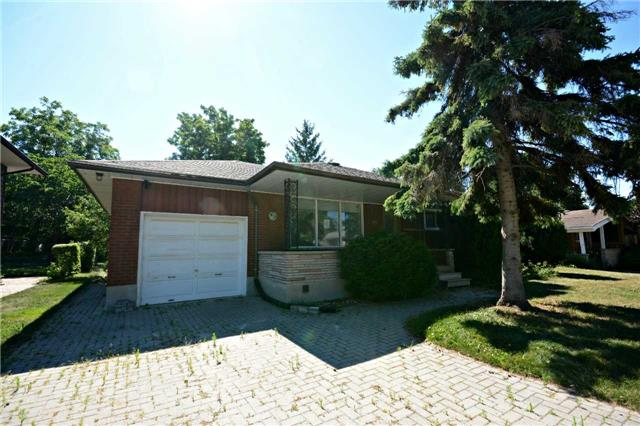 Sold: 135 Ross Avenue, Kitchener, ON
