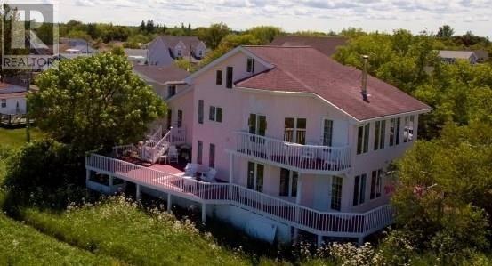 House for sale at 135 St John St Pointe Du Chene New Brunswick - MLS: M125835