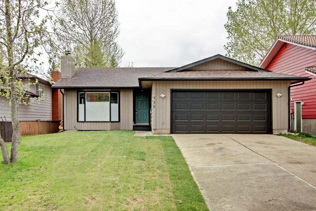 House for sale at 135 Woodglen Pl Woodhaven, Okotoks Alberta - MLS: C4297008
