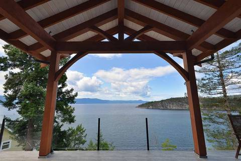 House for sale at 13527 Allen Cres Garden Bay British Columbia - MLS: R2388652