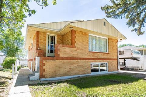 House for sale at 1353 Montgomery St W Moose Jaw Saskatchewan - MLS: SK775643