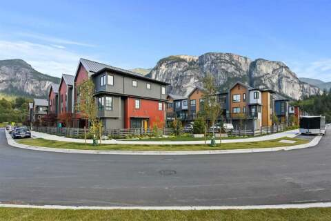 Townhouse for sale at 1353 Valleyside Pl Squamish British Columbia - MLS: R2487745