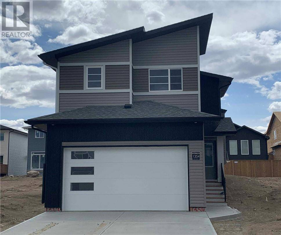 House for sale at 1354 Pacific Circ W Lethbridge Alberta - MLS: ld0185559