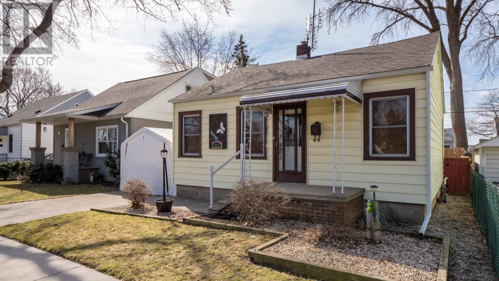House for sale at 1357 Labadie Rd Windsor Ontario - MLS: 20003922