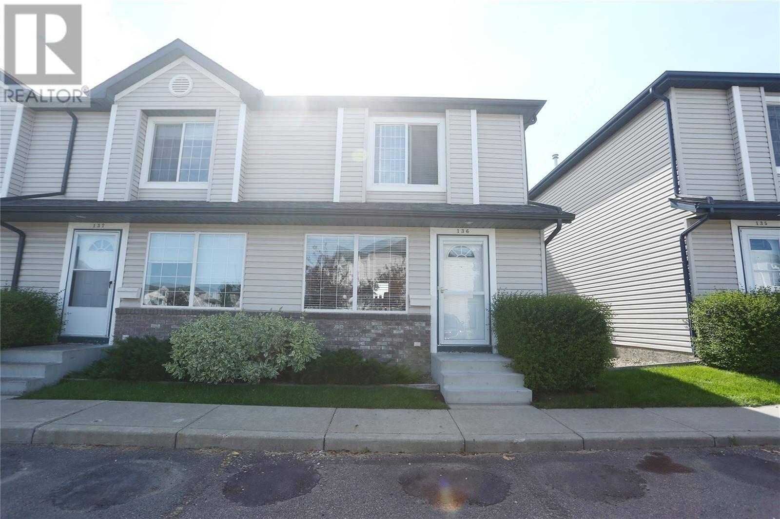 Townhouse for sale at 670 Kenderdine Dr Unit 136 Saskatoon Saskatchewan - MLS: SK783433