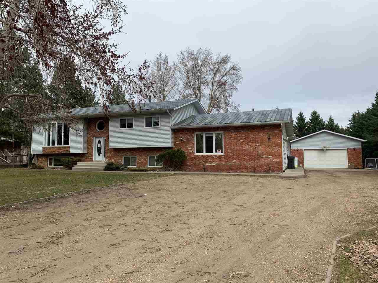 House for sale at 136 Arcand Ln Rural Sturgeon County Alberta - MLS: E4191354
