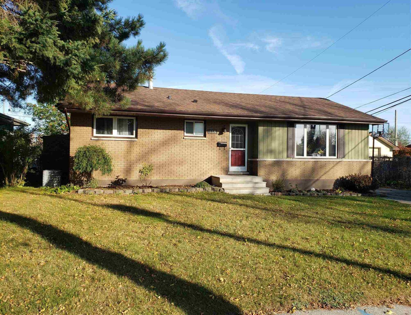 House for sale at 136 Cox Cres Thunder Bay Ontario - MLS: TB193379