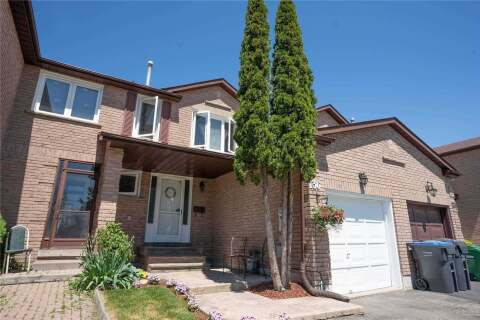 Townhouse for sale at 136 Cutters Cres Brampton Ontario - MLS: W4778903