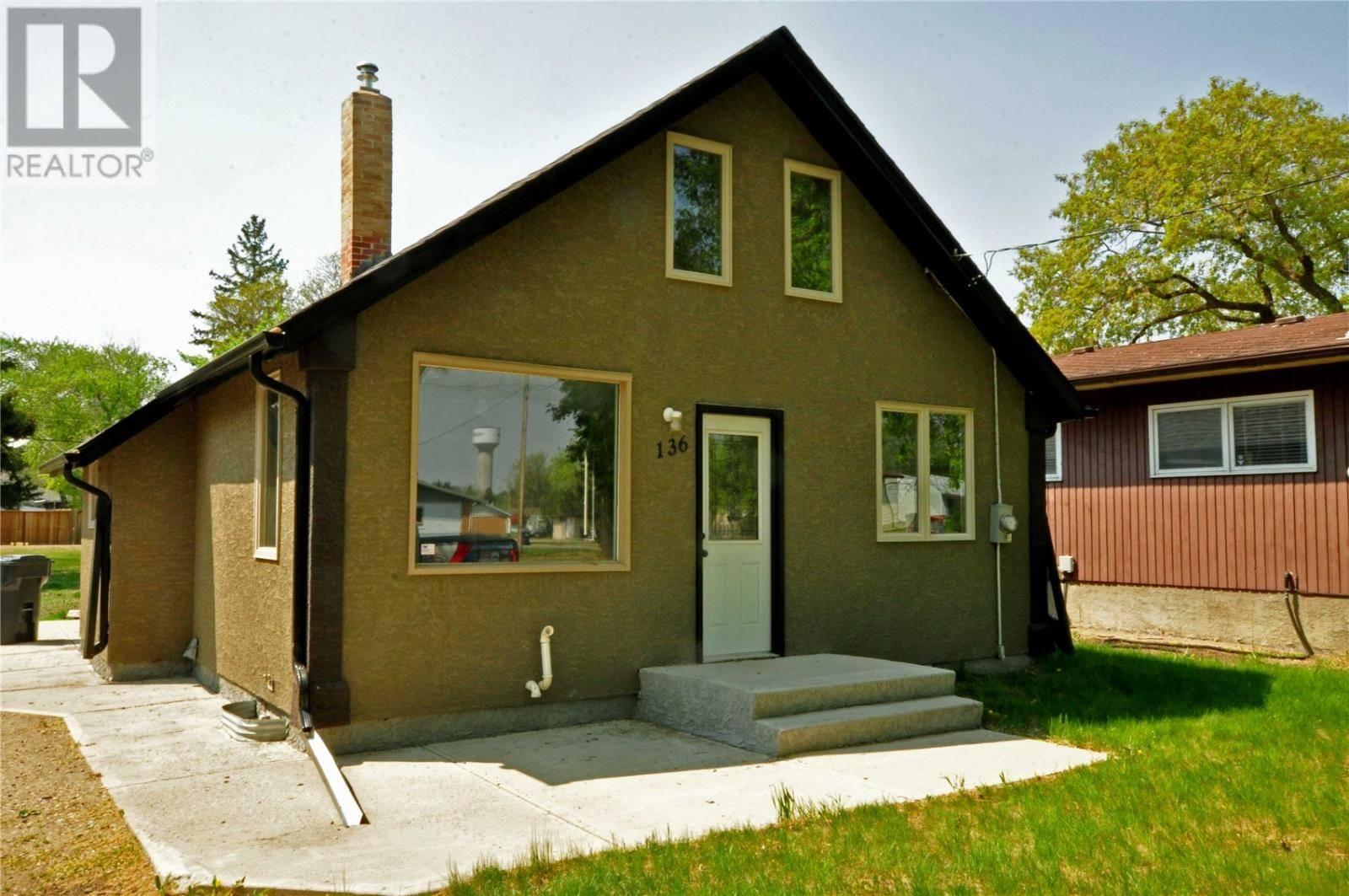 House for sale at 136 Gladstone Ave S Yorkton Saskatchewan - MLS: SK756202