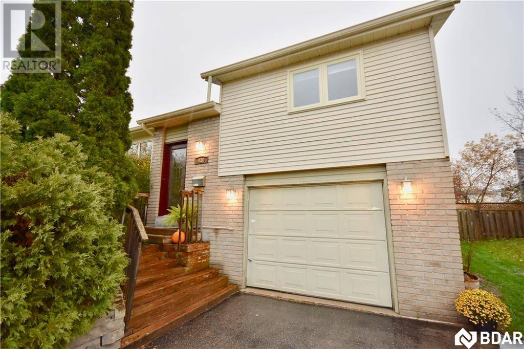 136 Hickling Trail, Barrie | Image 2
