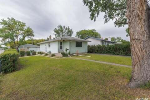House for sale at 136 Quebec St N Regina Saskatchewan - MLS: SK814642
