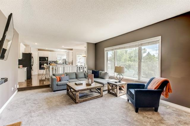 For Sale: 136 Scandia Hills Northwest, Calgary, AB | 4 Bed, 3 Bath House for $699,900. See 36 photos!