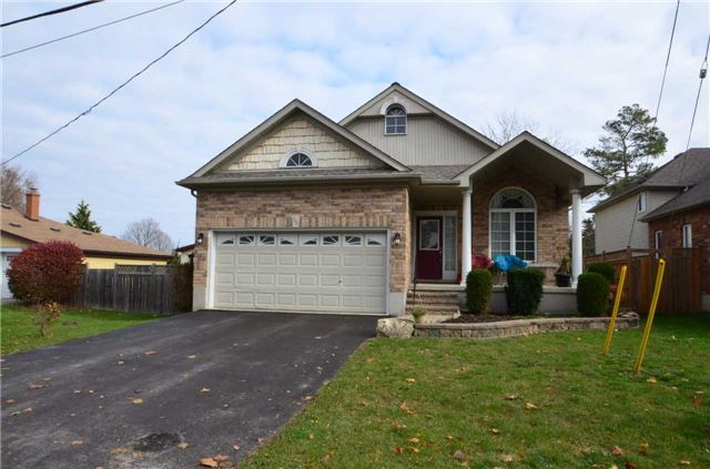 For Rent: 136 Smalley Street, New Tecumseth, ON | 4 Bed, 3 Bath House for $2,600. See 10 photos!