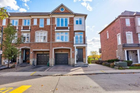 Townhouse for rent at 136 Vittorio De Luca Dr Vaughan Ontario - MLS: N4968314